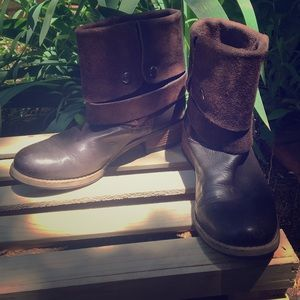 Clarks dark brown leather ankle boot